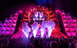 Ikoan foar Electric Love Festival 2015 - Q-Dance