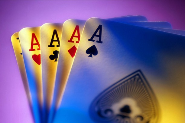 Hình nền 4 Aces Poker - Phần bổ trợ Opera