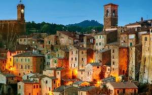 Icono de Sorano - tuff city in Tuscany. Italy