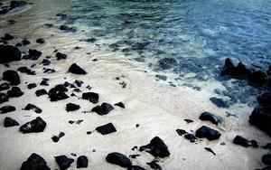 Значок для Black Rocks On White Sand