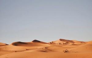 An ìomhaigheag airson Dry Desolation – Andrzej Kryszpiniuk